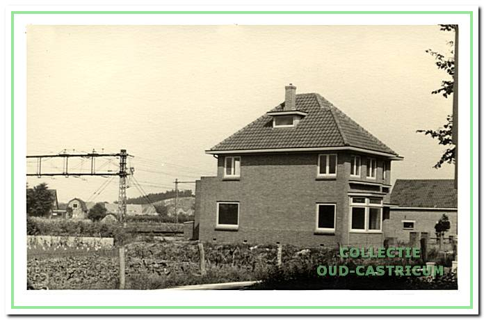 Het nog betrekkelijk nieuwe huis van zuster Baartscheer (op schets nr. 20).