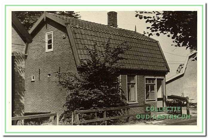 Het huis van Hein Zonneveld, de groenteboer (op schets nr. 3).