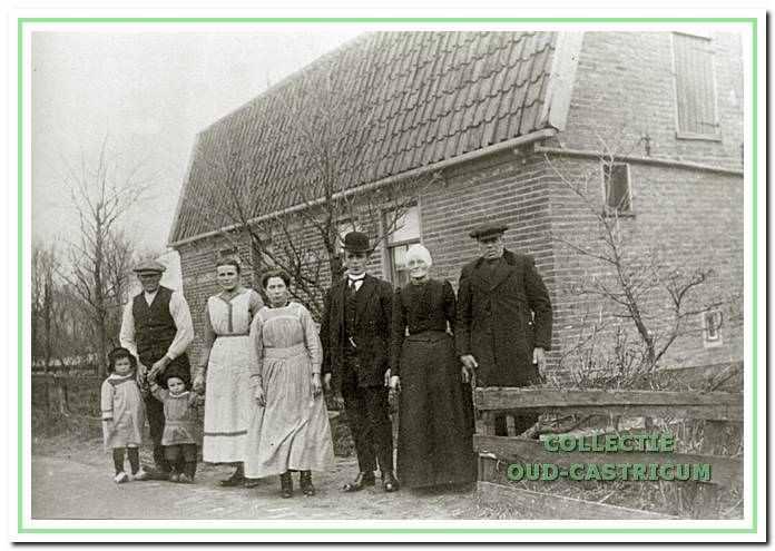 Het dubbele woonhuis van Lou Breetveld in Castricum.