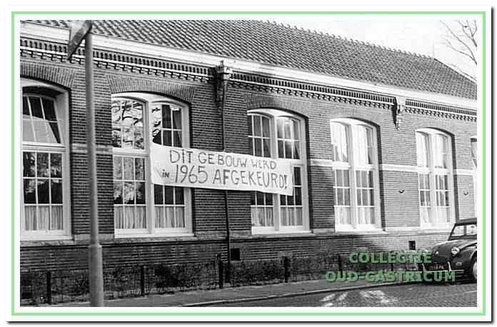 De voormalige School met de Bijbel daarna de Duinrandschool.
