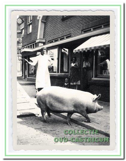 Slagerij Burgering vroeger ...