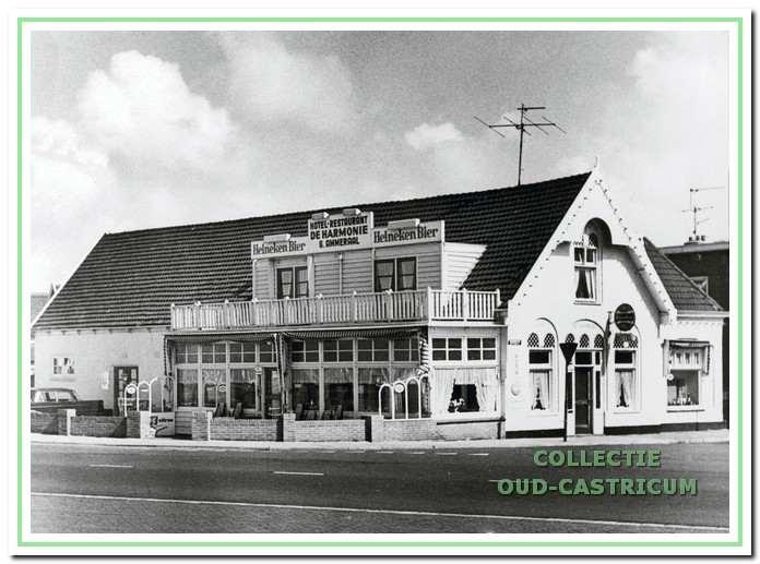 """Hotel Restaurant """"De Harmonie"""" van Ammeraal."""