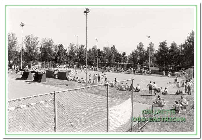 Finaledag stratenvoetbal in 1986.