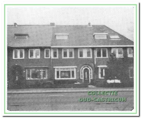Op Mient nummer 33 woonde dokter van Nievelt, die zijn praktijk ernaast had op nummer 35.
