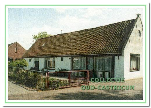 In de loop der jaren is de smederij veranderd in een winkel voor haarden, kachels en siersmeedwerk. De winkel heeft dienst gedaan tot eind 1985.