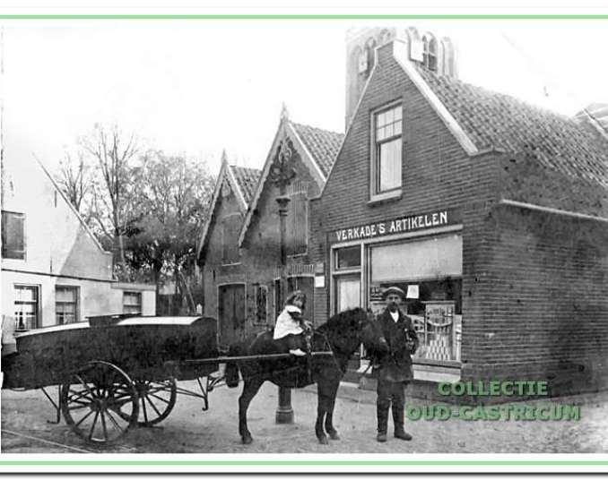 Jan Groen, ca. 1918, met paard en wagen, als filiaalhouder voor zijn Verkade-winkel. Op het paard zijn dochter Nel.
