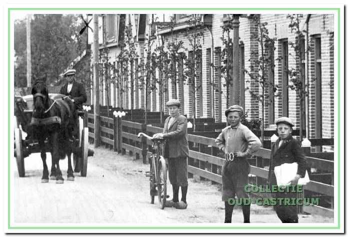 Een foto van de St. Jozef-woningen, die in 1919 werden gebouwd. Deze woningen zijn in de oorlog niet afgebroken en bestaan nog steeds.