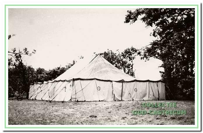 Dit is de kerktent op Camping Bakkum.