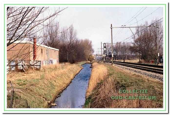 De spoorbaan ter hoogte van het Schulpstet in Bakkum.
