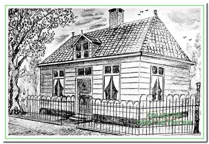 Tekening door Sijf Portegies van het karakeristieke houten huisje, Dorpsstraat 71, bewoond door postbode Jan van Benthem en zijn familie van 1898 tot 1958. daarna in gebruik genomen als opslagruimte en in 1966 afgebroken.