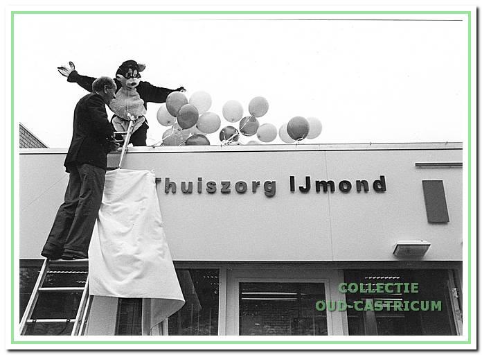 Opening van de Thuiszorg IJmond in Geesterhage.