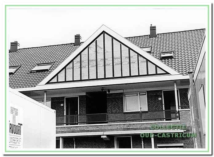 Plaquette op het gebouw aan de Klapweide in Castricum.