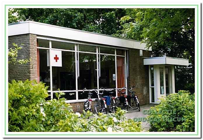 De voormalige kleuterschool aan de Van Speykkade was van 1988 tot 2012 het domicilie van de Rode Kruisafdeling.