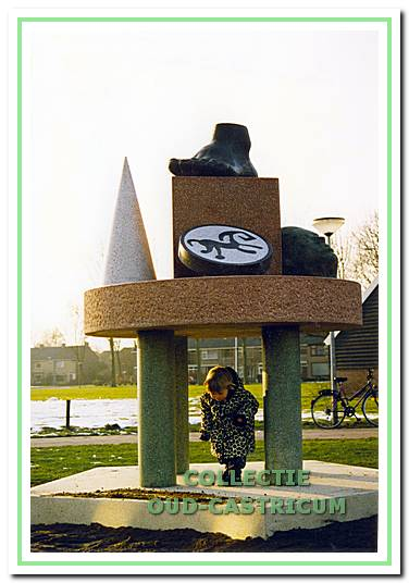 Kunstwerk dat gemaakt is na de archeologische opgravingen in de Oosterbuurt.