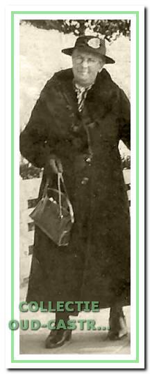 Maartje Glorie (1874-1922) was de eerste 'kankerjuffrouw'in Castricum. Ze hield praktijk in haar woning aan de Kramersweg, tegenwoordig Burgemeester Mooijstraat 3. Omstreeks 1918 nam haar dienstbode Rika Glorie- Hopman die taak over.
