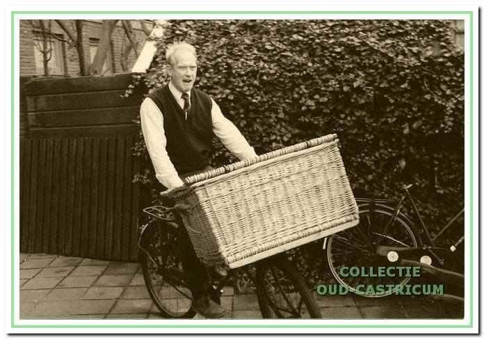 Martin Vaalburg op zijn transportfiets.