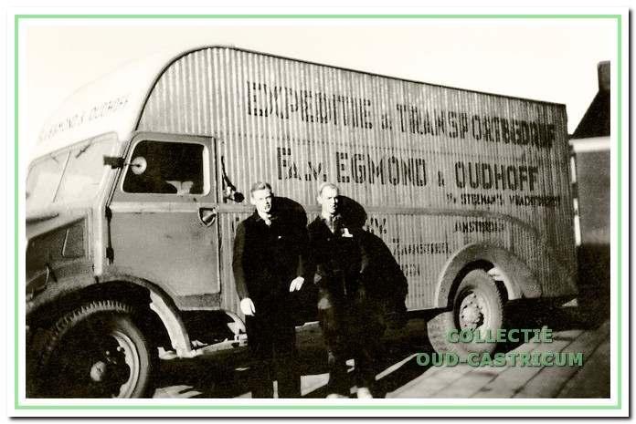Expeditie en transportbedrijf van Egmond en Oudhoff.