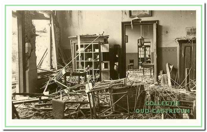 De ravage in paviljoen Vrouwen I na het bombardement op 13 augustus 1940. Pas in 1963 kregen de paviljoens namen: Vrouwen I werd Hoograde genoemd.