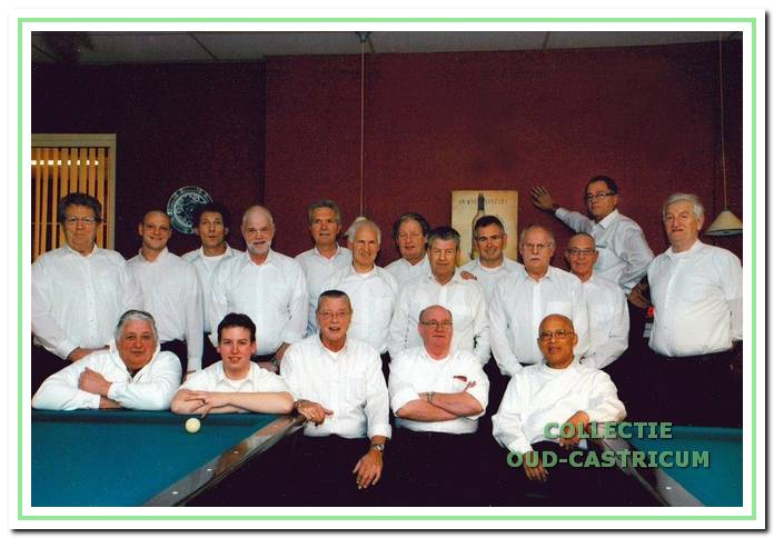 Groepsfoto van 't Stetje uit 2010.