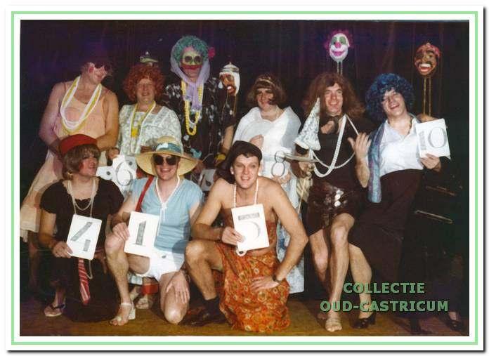 Modeshow van de Raad van Elf.
