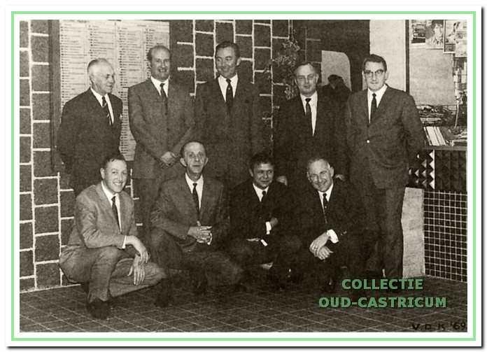 Een foto van oud-collega 's ter gelegenheid van de opening van het nieuwe station in 1969.