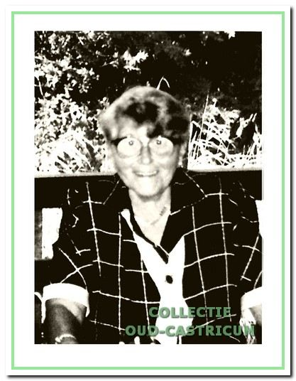 Zuster C. Boots, wijkverpleegster bij het Wit-Gele Kruis van 1931 tot 1966.