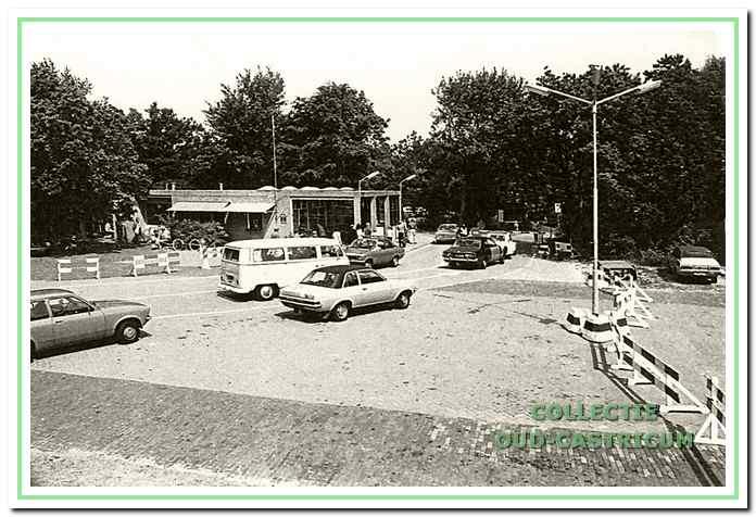 Ook op Kamp Bakkum groeide het auto-bezit.