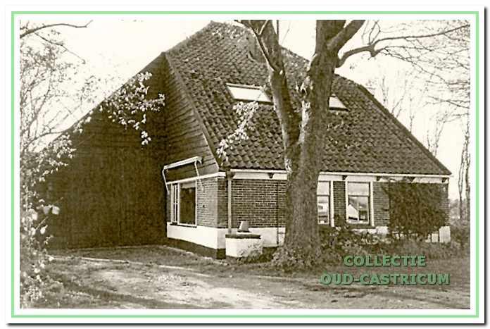 Boerderij de Luif, Limmerweg 4, Bakkum.