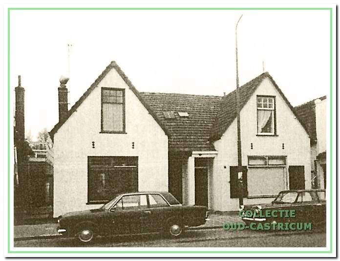 De 'tweelingpanden' Dorpsstraat 14/16 omstreeks 1970.
