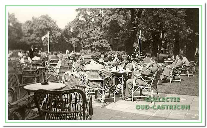 Het visitekaartje van Johanna's Hof: een groot terras in een prachtige omgeving.