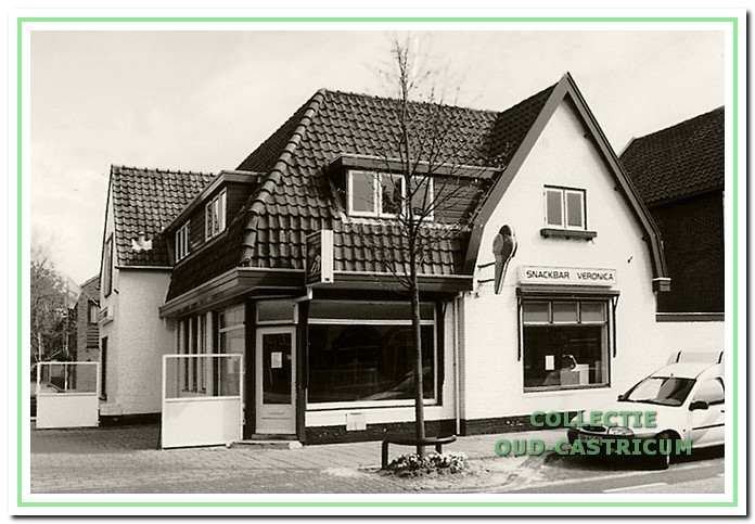 Snackbar Veronica, Dorpsstraat 35, in 1998.