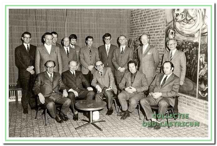 Het bestuur van Vitesse tijdens het 50-jarig jubileum in 1972.