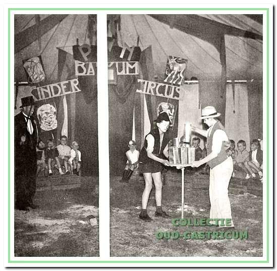 De act met de 'vallende' blikken in het kindercircus op kamp Bakkum.
