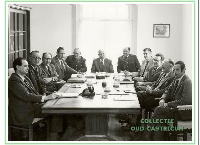 Wekelijks overleg medewerkers van het PWN in kantoor Fochteloo.