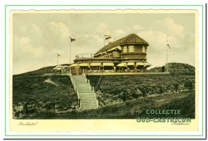 Het badhotel Armeria werd in 1931 geopend. Het kwam in de plaats van het gelijknamige paviljoen. Op last van de bezetter is het badhotel in 1943 gesloopt.