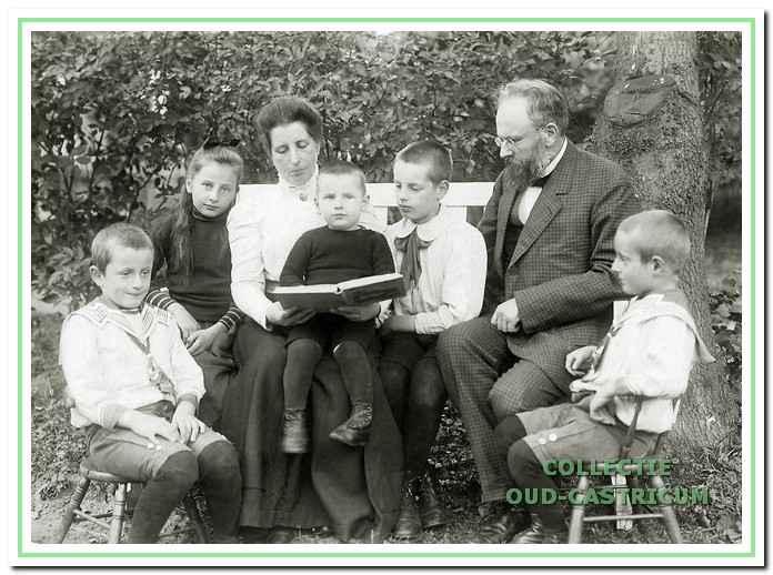 Het gezin Jacobi omstreeks 1910.