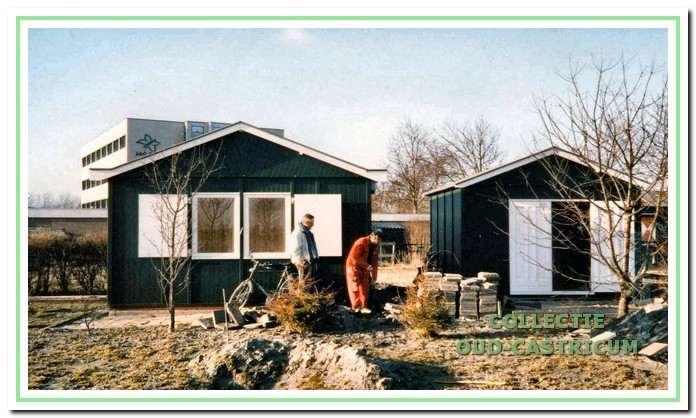Op 25 oktober 1986 wordt door burgemeester Schouwenaar een geheel nieuw clubhuis met berging geopend. Slechts 10 jaar hebben beide gebouwen dienst gedaan; in augustus 1996 branden ze geheel af.