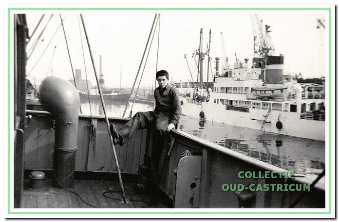 Henk in New York aan boord van de coaster 'Stientje Mensinga'.