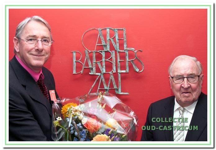 Links Peter Brouwer, directeur van Toonbeeld vanaf 1 maart 1998 en vrijwilliger Carel Barbiers die zich beiden meer dan 20 jaar voor de nieuwbouw hebben ingezet. Als eerbetoon is een van de zalen naar Carel Barbiers genoemd.