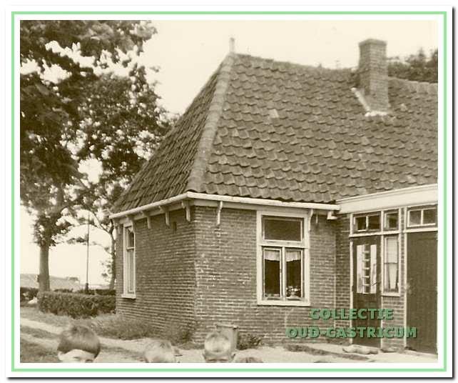 De achterzijde van de woning aan de Breedeweg 61 in de (negentien)zestiger jaren.