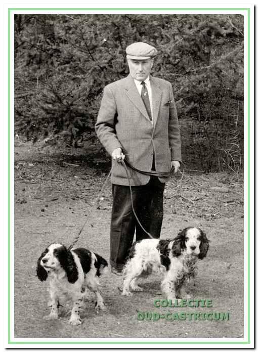 Cees Schoen met zijn jachthonden
