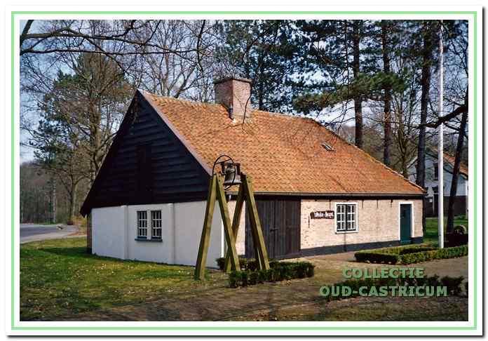 Het duinboerderijtje 'De Kwekerij', later 't Oude Huys' genoemd, zoals het bij velen bekend is.