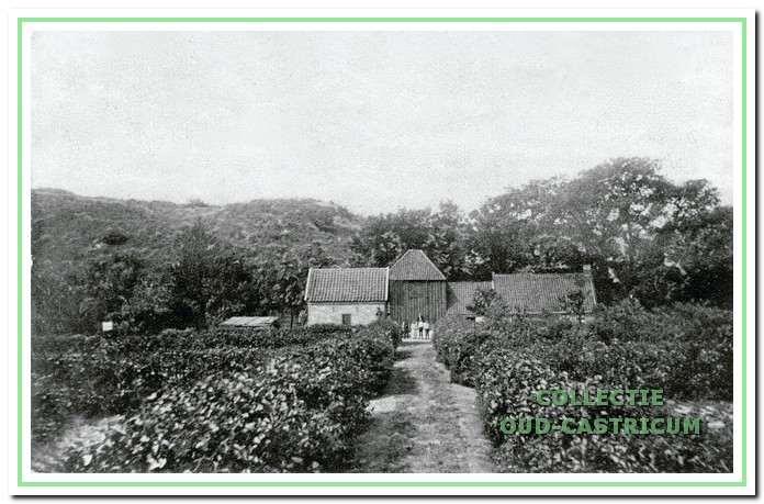 De boerderij Papenberg stond op de tegenwoordige begraafplaats Onderlangs.