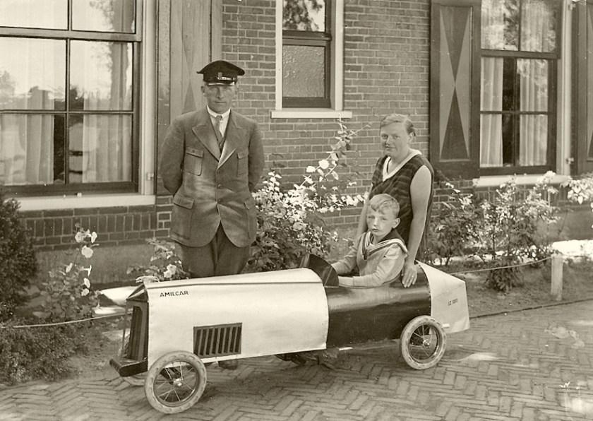 Gré Jacobs - Wentink met man Jaap en zoon Hans.