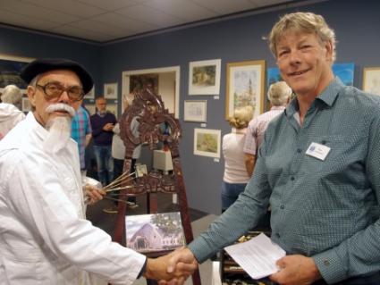 Opening van de tentoonstelling 'Castricumse Streken'. Links de wederopstanding van Sijf Portegies en rechts Rino Zonneveld.