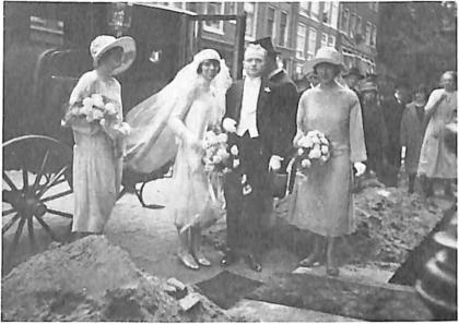 Riek de Jongh en Harry Leenaers trouwen op 9 september 1926 in Amsterdam.