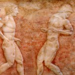 """""""Ball Players"""" in het National Archeological Museum in Athene."""