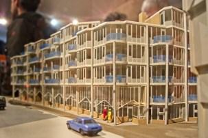 De originele maquette van het Pentagon van Theo Bosch gezien vanaf de Stint Anthoniesbreestraat