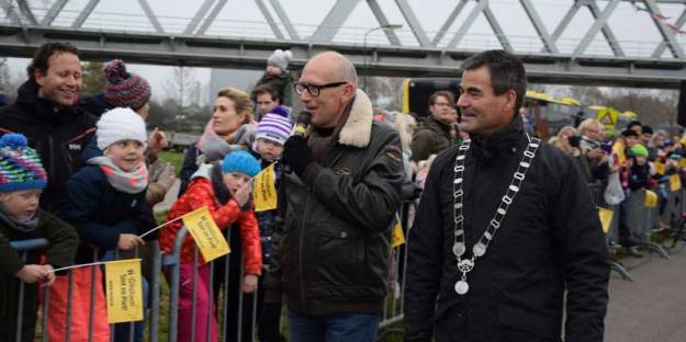 Burgemeester de Jong bij zijn laatste Sinterklaasintocht