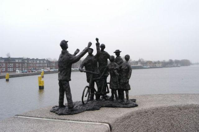 Monument Februaristaking in Zaandam